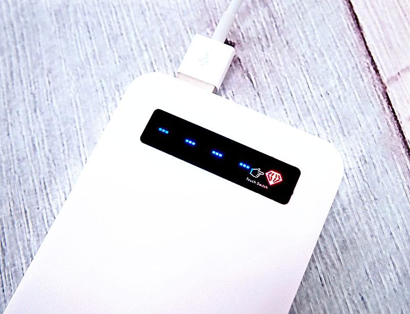 各スマ−トフォン等へ充電中および、残量チェック時の電池残量表示