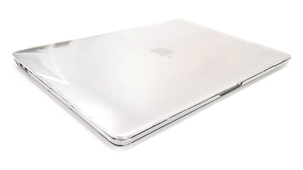 薄くて軽い!装着感が無くスマートにMacBookを保護