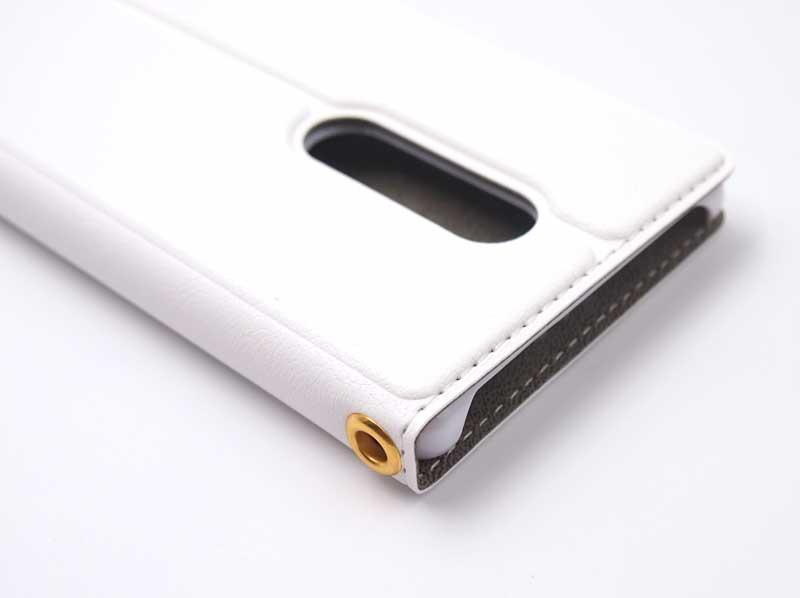 Xperia1の手帳ケース|カメラ穴