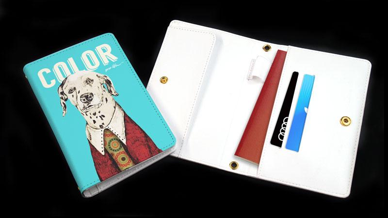 パスポートケースをオリジナルで1個から作成|同人グッズやノベルティにおすすめのオリジナルパスポートケースを作るならME-Q(メーク)の写真