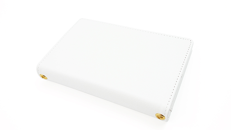 PUレザー素材で頑丈で長持ちするパスポートケース。