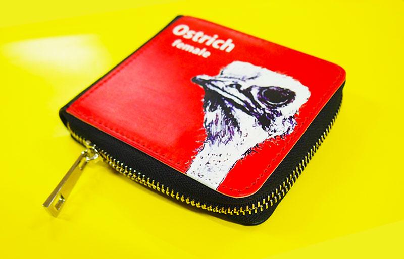 二つ折り財布に新たなタイプ登場!ファスナータイプの財布をオリジナルで作成できるME-Q(メーク)の写真