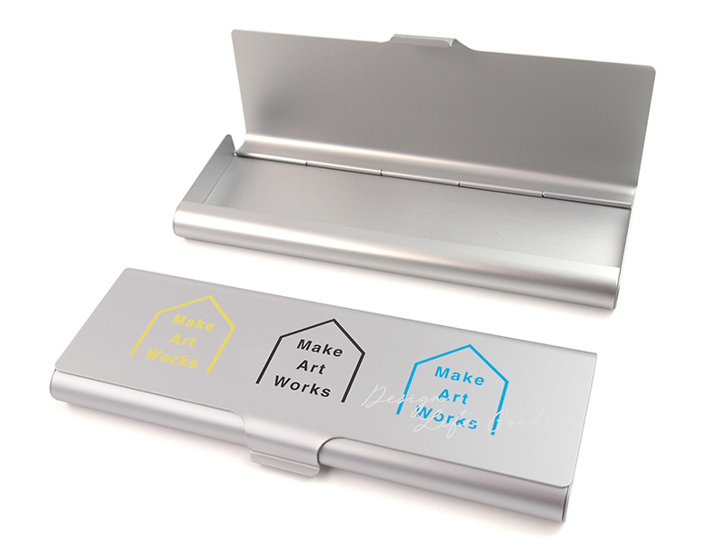 アルミペンケース・缶ケースのオリジナル印刷プリントを小ロット1個から製作|アルミケースをオリジナルで作るならME-Q(メーク)