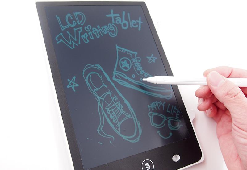 8.5インチのLCD液晶画面。ペンや紙なしで書くことができる話題の電子版メモ帳