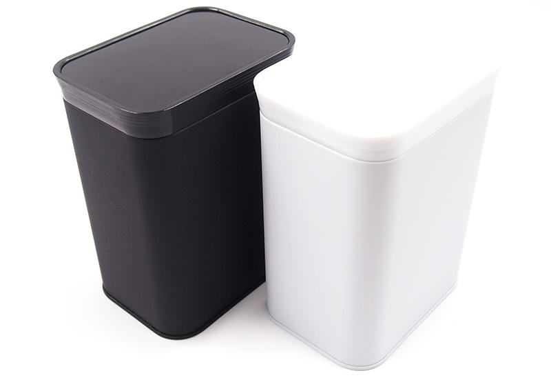 缶のカラーはホワイトとブラックをご用意