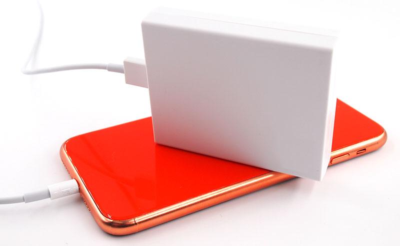 災害や停電時でも安心の乾電池式モバイルバッテリー
