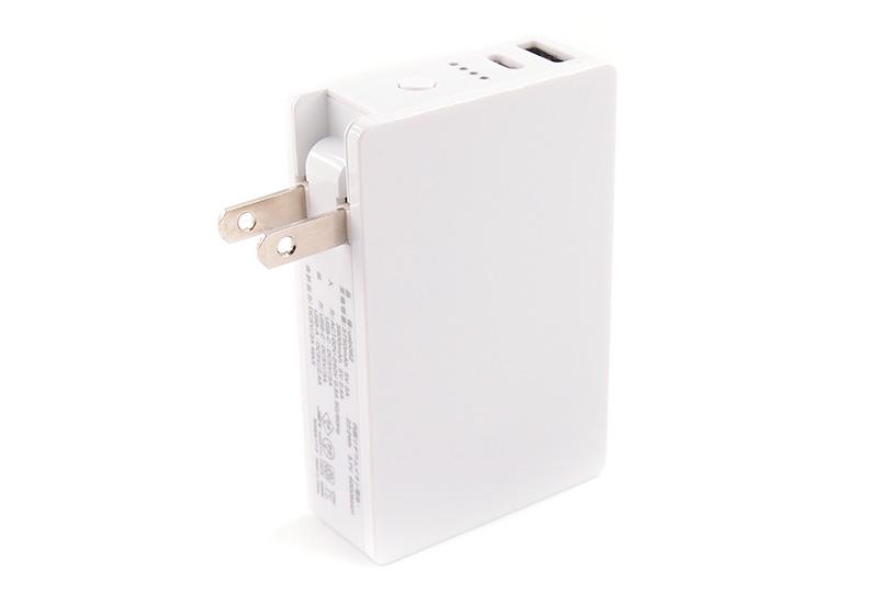 ケーブルやコンネクター不要で荷物の減る!