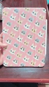 みてー!!!!!!!!メークで作ったiPadケース、サイコーーーーにかわいい家猫4匹を描いたイラストで作りました