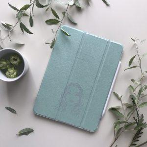 ME-Q ( https://me-q.jp ) で作ったiPadケース届いたデザインアップするだけで作ってくれるから簡単!色々作ろう〜
