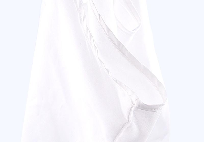 シルクのような素材感。軽くて丈夫なポリエステル製エコバッグをオリジナルで
