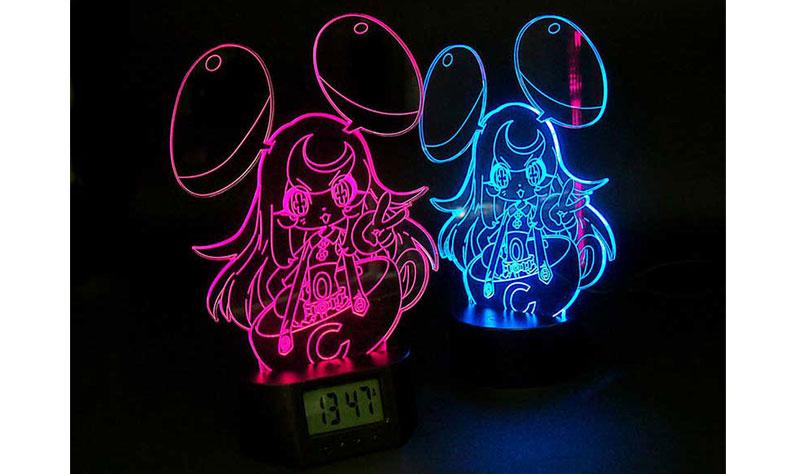 LEDアクリルスタンドのオリジナルグッズを作成|光り輝く表彰盾やイラスト・フィギュアなど!オリジナルのLEDアクリルスタンドを製作できるME-Q(メーク)