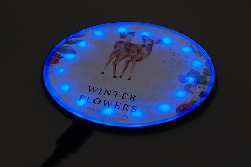 置くだけで充電!LEDライト内蔵ワイヤレス充電器をオリジナル製作できます!