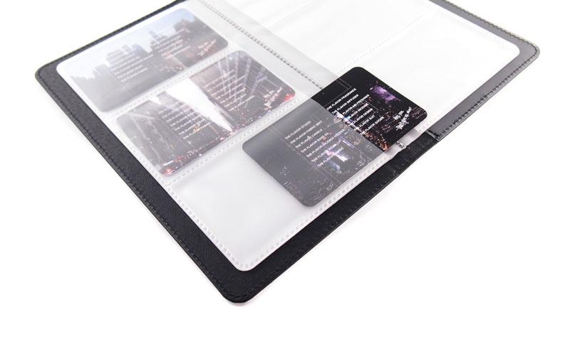 カード収納スペースは最大60枚のカードが収納可能
