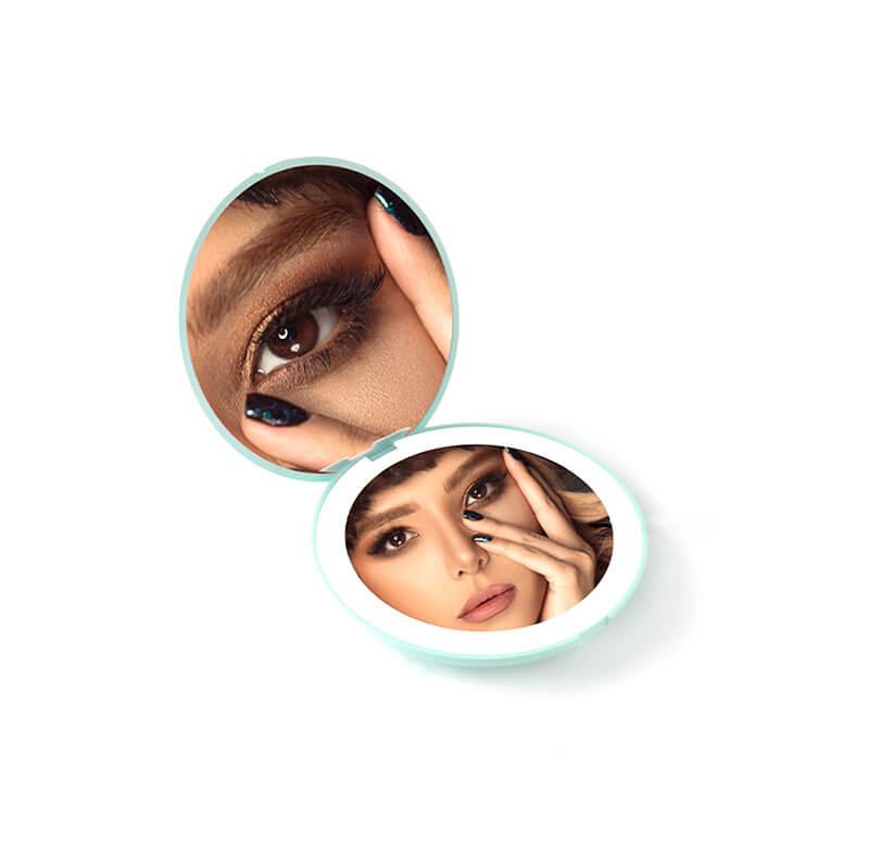 2倍拡大鏡&等倍鏡のダブルミラーでメイクをサポート