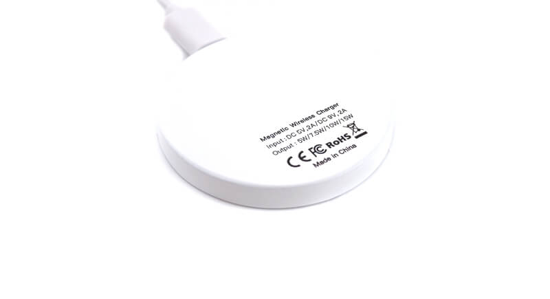 MagSafeワイヤレス充電器の商品詳細