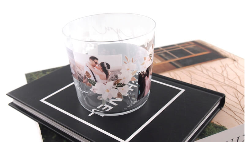 360度ぐるっと一周をフルカラーでプリント・名入れ。写真映えする薄グラス(ロックグラス)をオリジナルで。