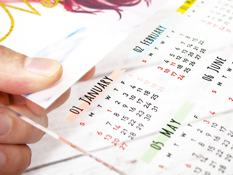 インテリアにぴったりのA4サイズ年間カレンダーをアクリルで楽しめます!